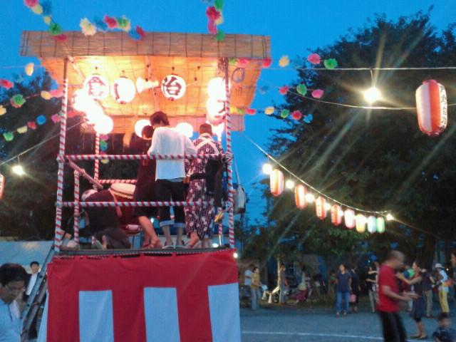 日本の夏、盆踊り